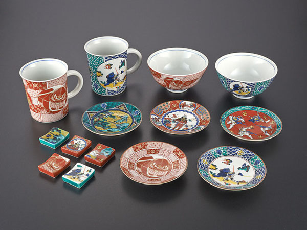 10992_9 & Awesome Gundam Designs On Traditional Japanese Porcelain Tableware ...