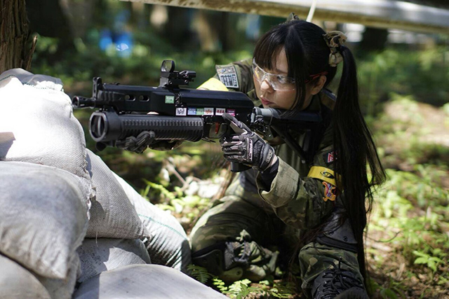 Thank for Japanese girls with airsoft guns shooting apologise