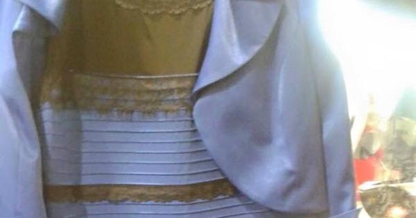 出典:Whoa wow wow! このドレスの色が何色