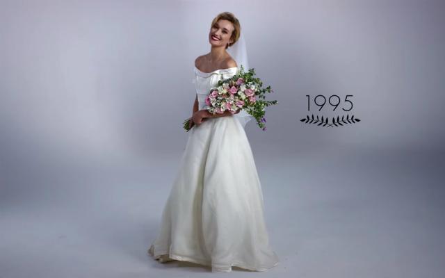 ウエディングドレスにもこんなに流行があったなんて 映像で見る