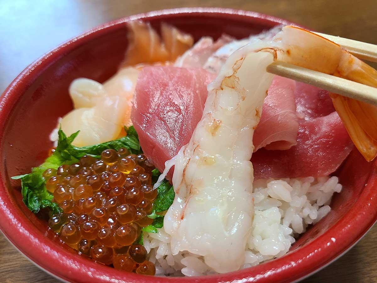 はま寿司でテイクアウトできる丼のコスパは? 店員直伝の『裏技』の食べ方とは