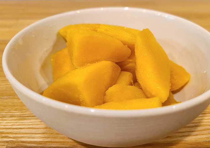 ファミマの冷凍フルーツのカロリーに驚き 6種の味で一番低いものは…