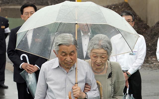 なぜ日本人は天皇を「風刺」したり、「笑いのネタ」にすることを許さないの?英国王室のように茶化せた方が健全ではないのか? [無断転載禁止]©2ch.net [157470334]YouTube動画>9本 ->画像>56枚