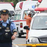 【相模原で大量殺人】 事件のあった津久井やまゆり園前に集まった緊急車両=26日午前、神奈川県相模原市緑区