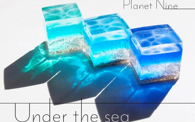 海をそのまま切り取ったみたい!レジンで作られた『海のかけら』が美しい