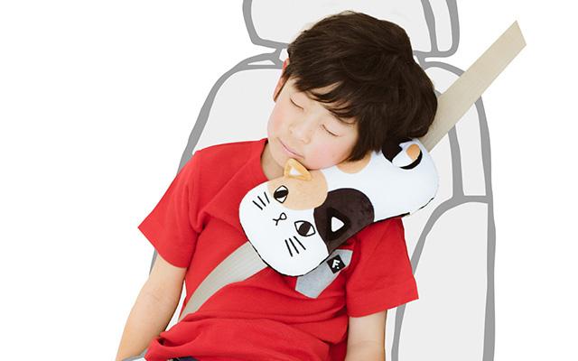 『車の居眠り』が至福の時間に!大人も使える猫の枕がめっちゃ便利