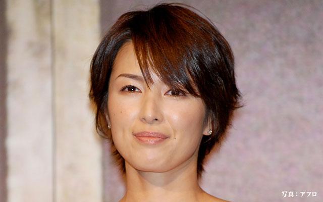 ニッコリ笑顔の吉瀬美智子
