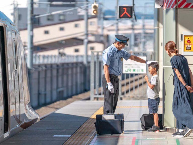 新幹線が大好きな息子に、運転士が『素敵な対応』 4枚に「泣いた ...