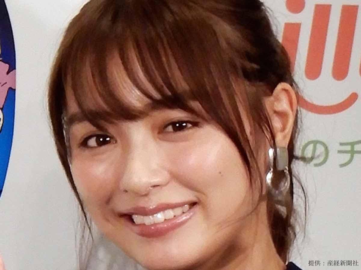 内田理央、「あんまり着ない」私服コーデを公開!「めっちゃ似合ってる!」とファン絶賛