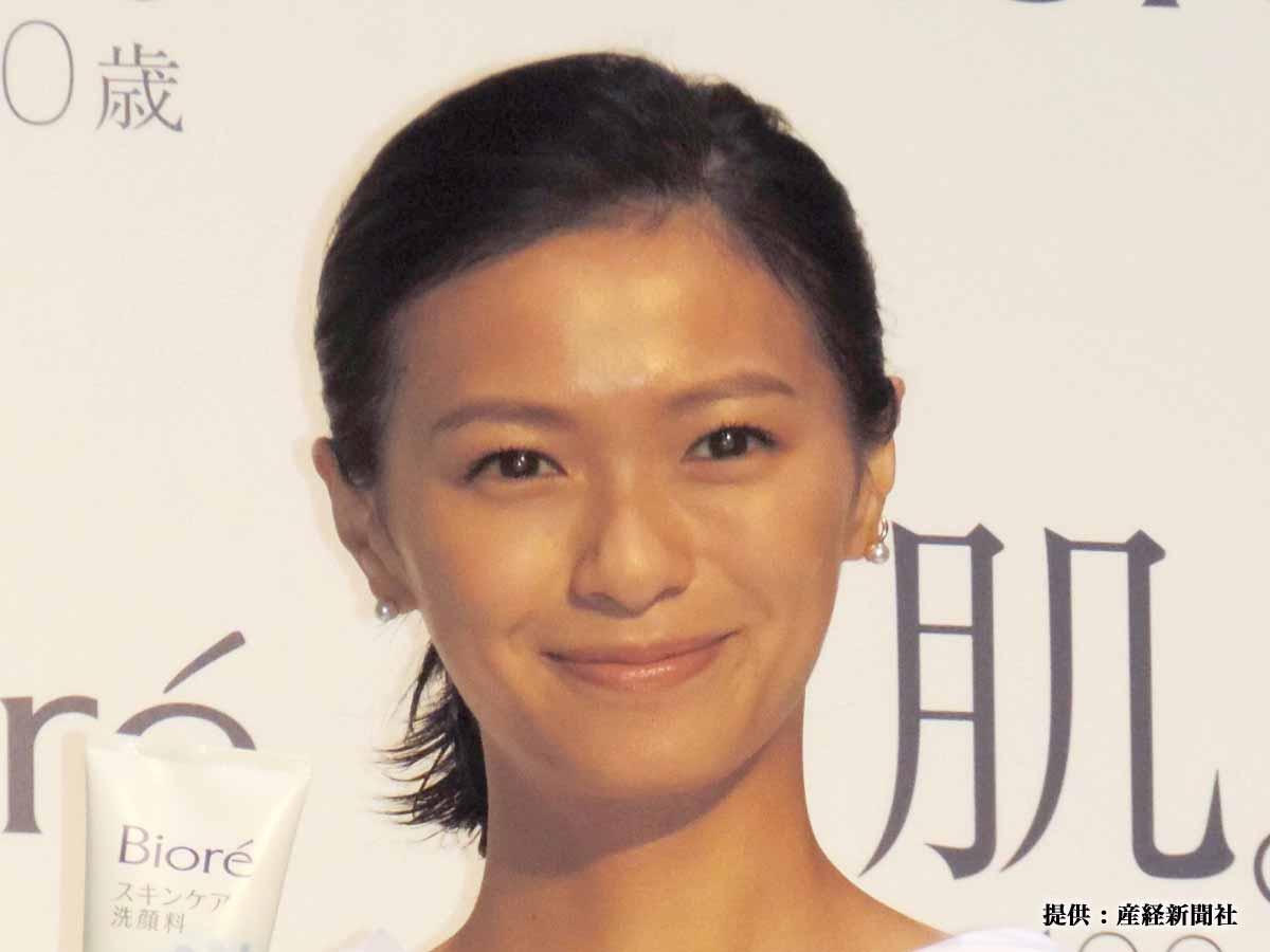 榮倉奈々、初リモート撮影に「テンヤワンヤ」 ファン「いつの間にロングヘアに…」と絶賛!