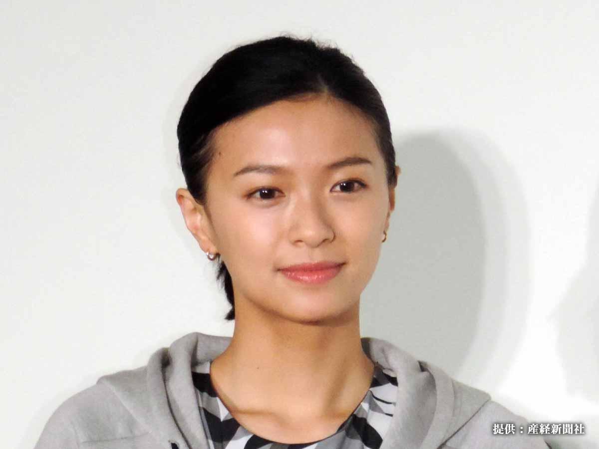 榮倉奈々の顔なし写真 「やっぱり素敵!」とファンが注目したのは?
