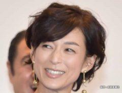 鈴木保奈美、娘絶賛の夏コーデを披露 ファン「こんなママがほしかった…」
