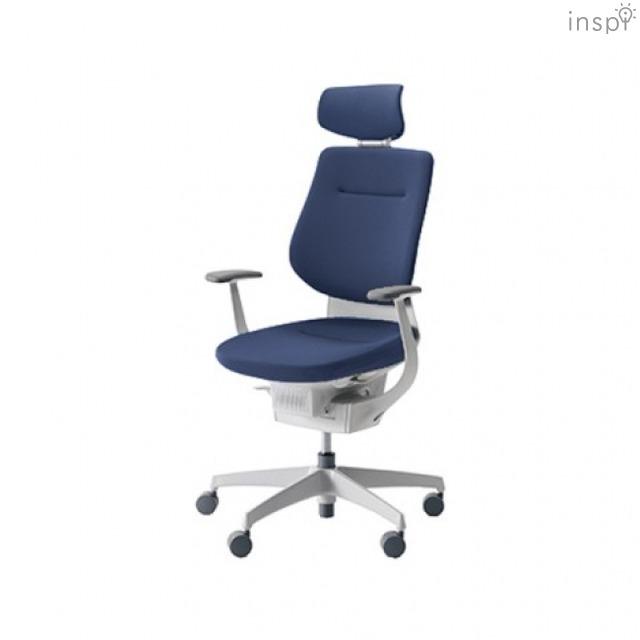 世界で最もイスに座る時間が長い国、日本。しかし、人の体は、長時間座った姿勢で働くようにはできていない。その問題を解決するために生まれたイス「ing」