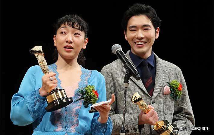 『第92回キネマ旬報ベストテン』表彰式に出席した柄本佑さんと安藤サクラさん 2019年