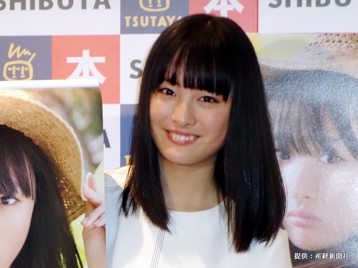初カレンダーの発売記念イベントを行った女優の大友花恋