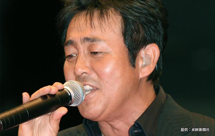 ロックバンド、TUBE(チューブ)のボーカル、前田亘輝