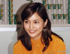 期間限定カフェ「じゃがりこカフェ」のオープニングで1日店長を務めた女優の川口春奈