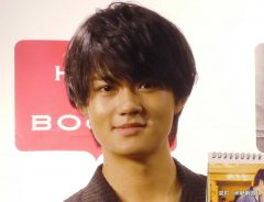 『佐野勇斗カレンダー2019.4-2020.3』の発売イベントを行った佐野勇斗 2019年