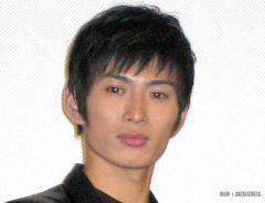 映画『メシア 伝えられし者たち』の初日舞台挨拶に出席した松田悟志 2004年