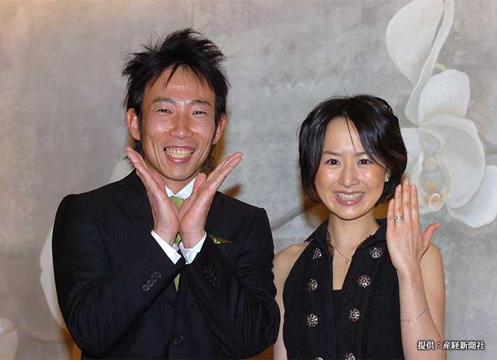 結婚入籍報告会見を開いたモンキッキーと山川恵里佳 2007年