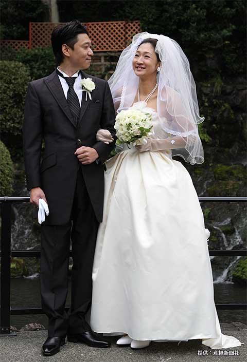結婚披露宴を行った虻川美穂子と桝谷周一郎 2010年