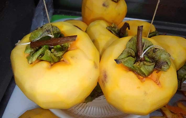 干し柿の作り方を分かりやすく! 作る時期、熱湯や焼酎を使った裏技も