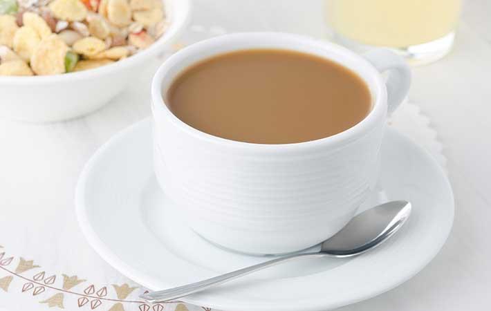 『カフェオレ』と『カフェラテ』の違いって何? 牛乳の量が多いのはどっち?
