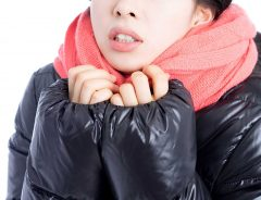 寒さの対策で重要なのは窓 部屋の熱を逃がしにくくする方法 寝る時の工夫や服装は?