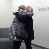 まさに奇跡 同じ職場で働いていた同僚が36年前に生き別れた娘だった