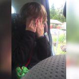 息子を学校へ迎えに行ったら、突然車内で号泣!涙の理由に、心うたれる
