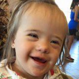 ダウン症の娘を持つ母親 カフェで見知らぬ人にかけられた言葉に泣き崩れる