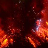 桜島で5000m級の爆発的噴火が発生! 迫力ありすぎて、現実の映像に見えない…