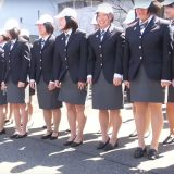「ま、マジか」競輪学校は、卒業式で女子が全員スカートをたくし上げる?