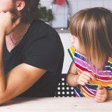 「お友達は持ってるのに」と娘 父の返答があまりにも素晴らしい!